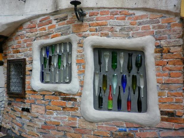 hundertwasser museum wien,hundertwasser artworks,artwork colorful glass bottles,glass wall art contemporary,visit vienna austria,
