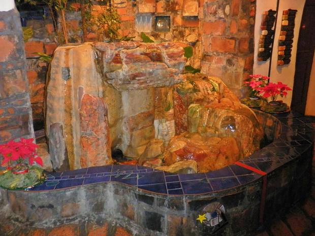 hundertwasser museum wien,hundertwasser artworks,visit vienna austria,artistic stone fountain design,colorful stone artwork,