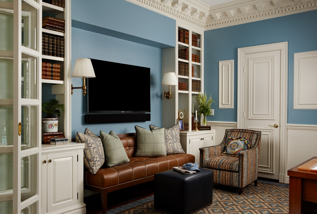 luxury home office design,home library interior design,home office traditional style,blue and white home decor,blue walls in home design,