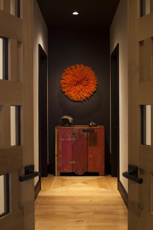 I_Taylors_design_penthouse_hallway_Florida_Archi-living_resize.jpg