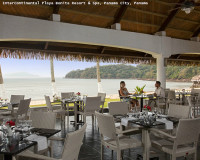 romantic table for two,romantic restaurant by the beach,