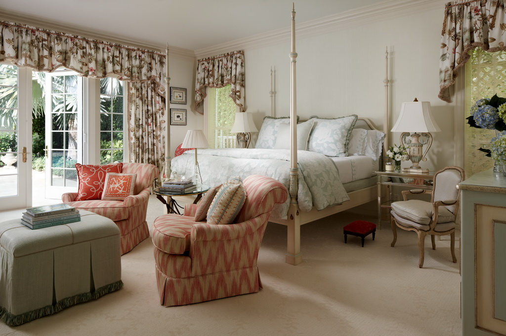 luxury master bedroom design,canopy bed queen,coral color bedroom decor,luxury homes in florida,master bedroom with a garden view,