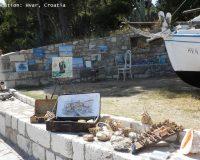 art gallery,window display,window display design,art,artwork,art ideas,hvar town,hvar island,croatia,visit croatia,dalmatia,dalmatian islands,
