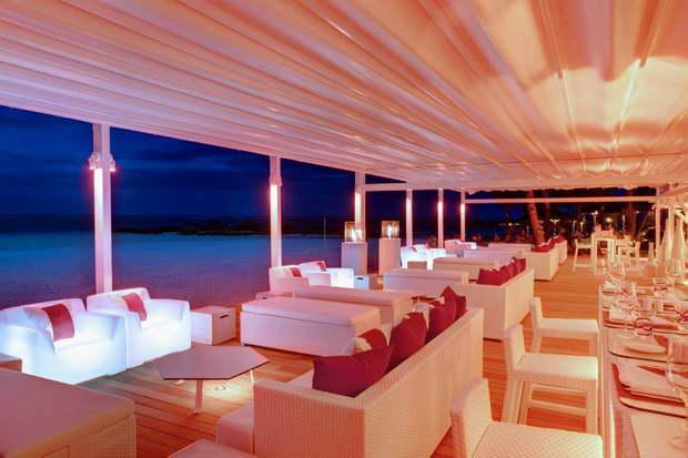 LUX* Island Resorts,best designed resorts in the world,kelly hoppen design style,modern bar lounge designs,hospitality design ideas,