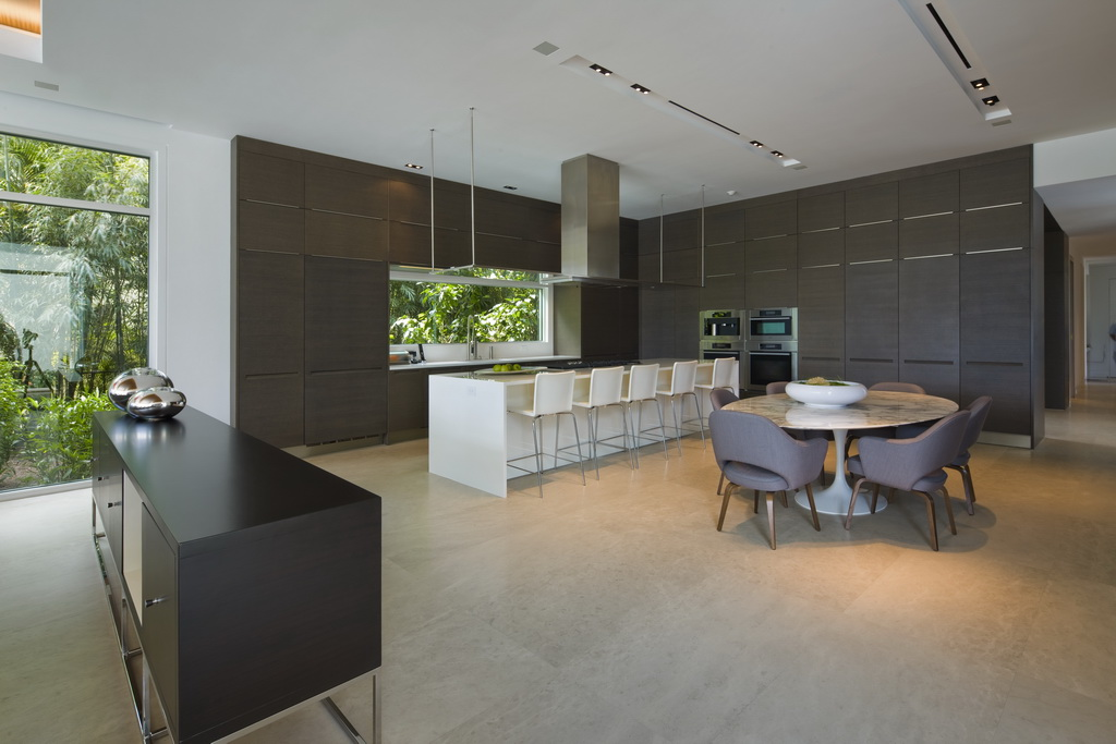luxury kitchen cabinets,white high end island designs,brown kitchen ideas,contemporary furniture in south florida,large kitchen designs with islands,