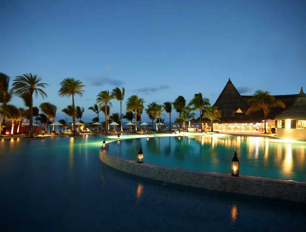 LUX* Belle Mare,mauritius luxury hotels resorts,luxury hospitality brands,restaurants by the water,hotels designed by famous designers,
