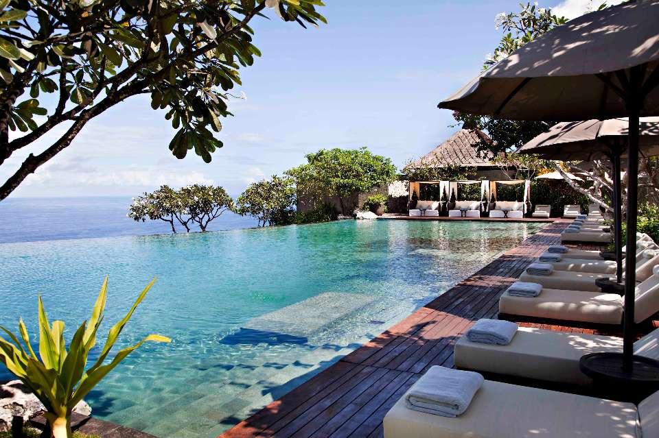 Bulgari Resort Bali,Luxxu Lighting,bali,indonesia,hotels in indonesia,luxury hotels in indonesia,hotels in asia,luxury hotels in asia,hospitality design,hospitality,hotel design,hotels,exotic style,asian style,oriental style,sun loungers,parasol,parasol design,poolside,pool lounge,swimming pool,high end furniture,bar design,sea view,sea view bungalows,