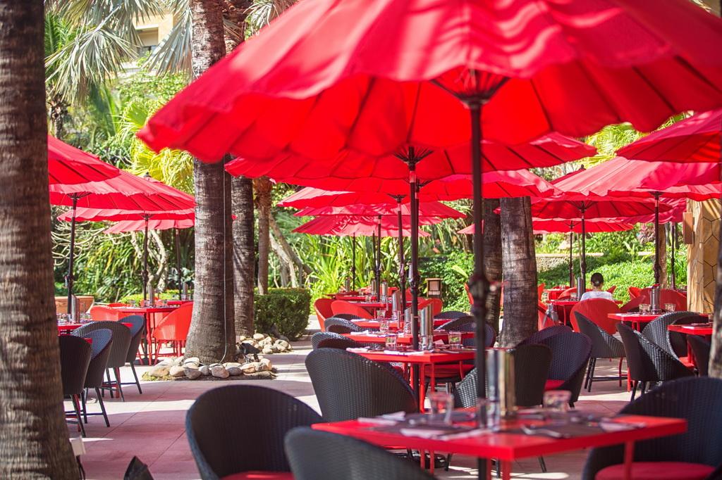 red parasol design,luxury restaurant design,restaurant design ideas,high end restaurant design,modern restaurant design,luxury bar design,bar design ideas,
