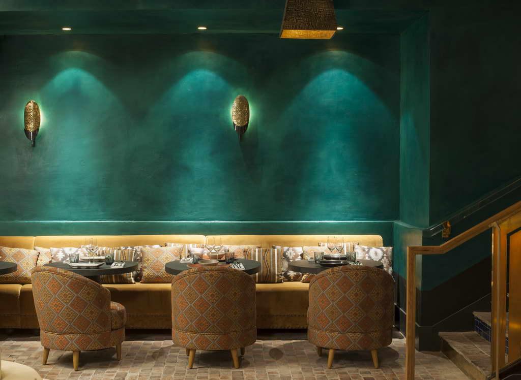 green wall design,green and yellow restaurant,peruvian restaurant paris manko,