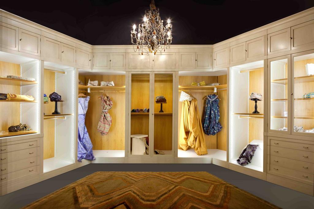 NASLOVNA_E_MORELATO_walk-in-closet-Direttorio_Design_Centro_Ricerche_MAAM_Archi-living_resize.jpg