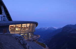 NASLOVNA_Pedrali_Skyway-Monte-Bianco_photo_Daniele-Domenicali_Archi-living_resize.jpg
