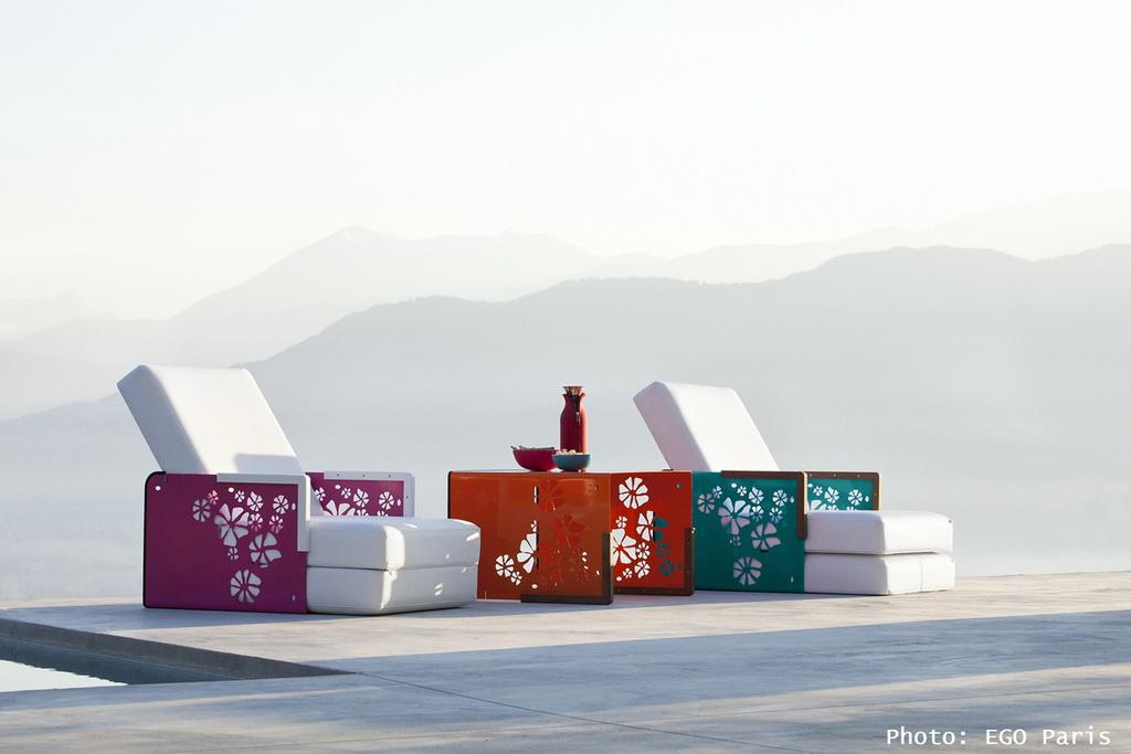 NASLOVNA_outdoor_furniture_design_colorful_sunloungers_EGO_Paris_Archi-living_resize.jpg