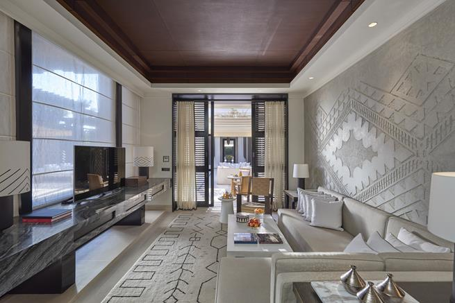 suite designer in mandarin oriental marrakech,contemporary moroccan interior design,luxury hotel suite design,luxury living room in neutral colors,moroccan wall decor ideas,