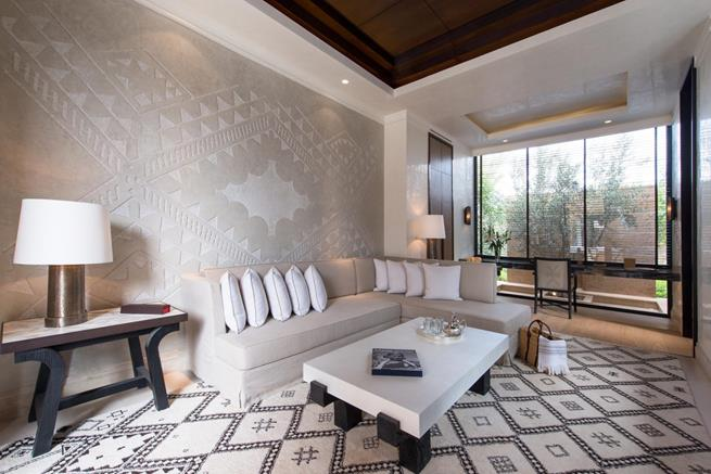 luxury living room in neutral colors,moroccan wall decor ideas,suite designer in mandarin oriental marrakech,contemporary moroccan interior design,luxury hotel suite design,