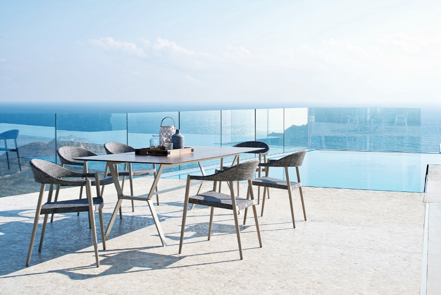 Outdoor-Furniture_Garden_Table_Armchairs_Varaschin_Design_CLEVER-Collection_Archi-living_F.jpg