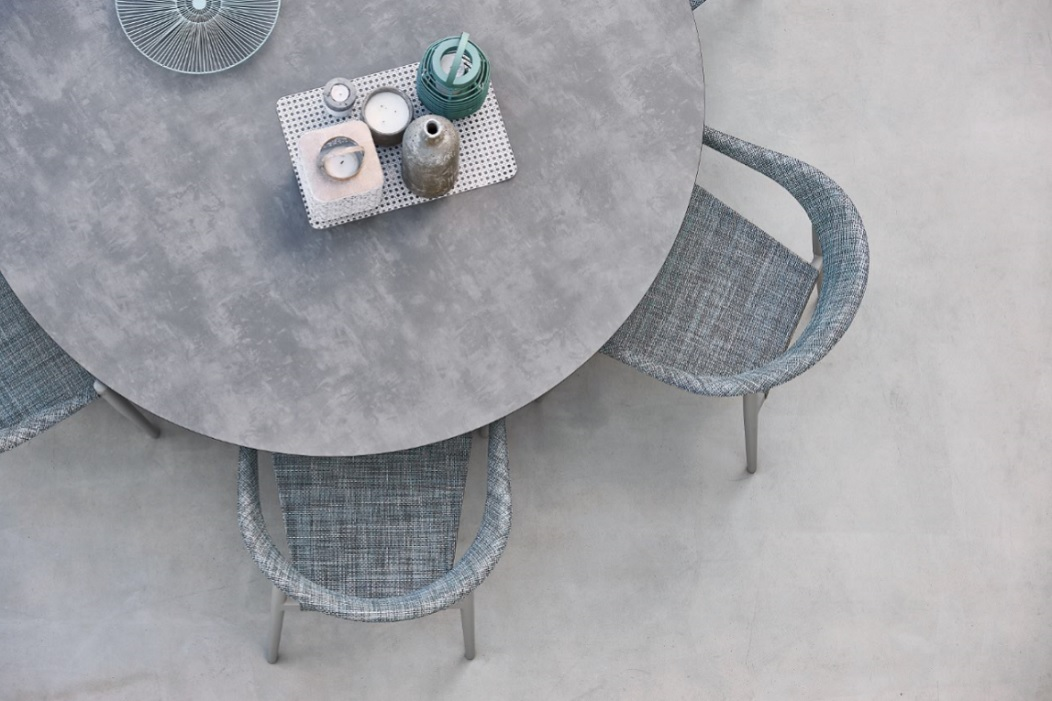 Outdoor-Furniture_Garden_Table_Armchairs_Varaschin_Design_Clever-Collection_Archi-living_E.jpg