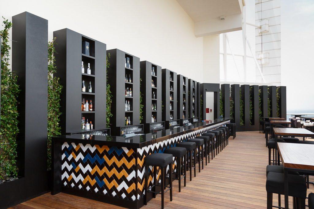 Four Seasons Hotel Pop Up Lounge Bar   Archi-living.com