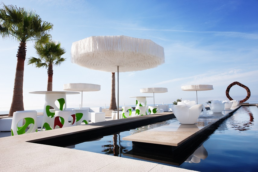 Outdoor Design The Frou Parasol Dances To Rhythm Of Wind
