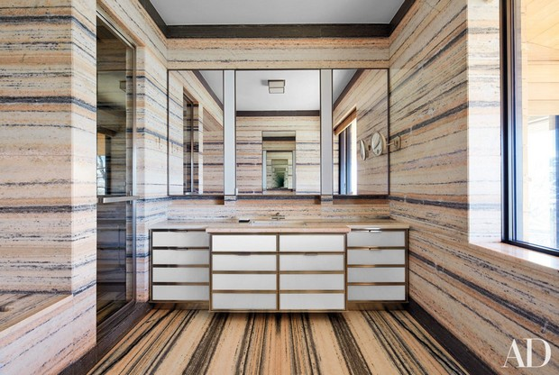 peter marino architect,luxury bathrooms in carrara marble,marble bathroom wall and floor tiles,interior design projects by famous designers,luxury bathroom design images,
