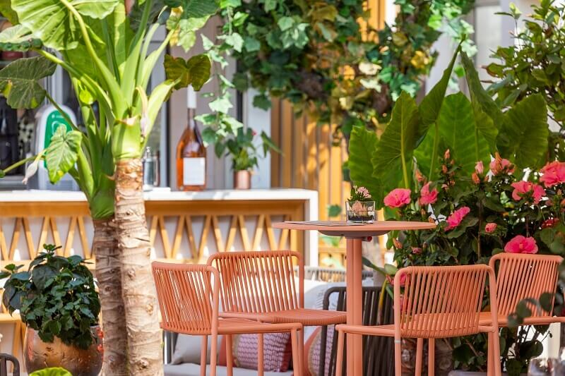 pedrali chairs outdoor,orange chairs outdoor,restaurant terrace design ideas,restaurant plage la mandala cannes,modern bar furniture design,