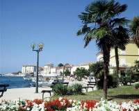 parks in porec,historic towns in croatia,cultural travel destinations,art travel tours,sitting by the sea,