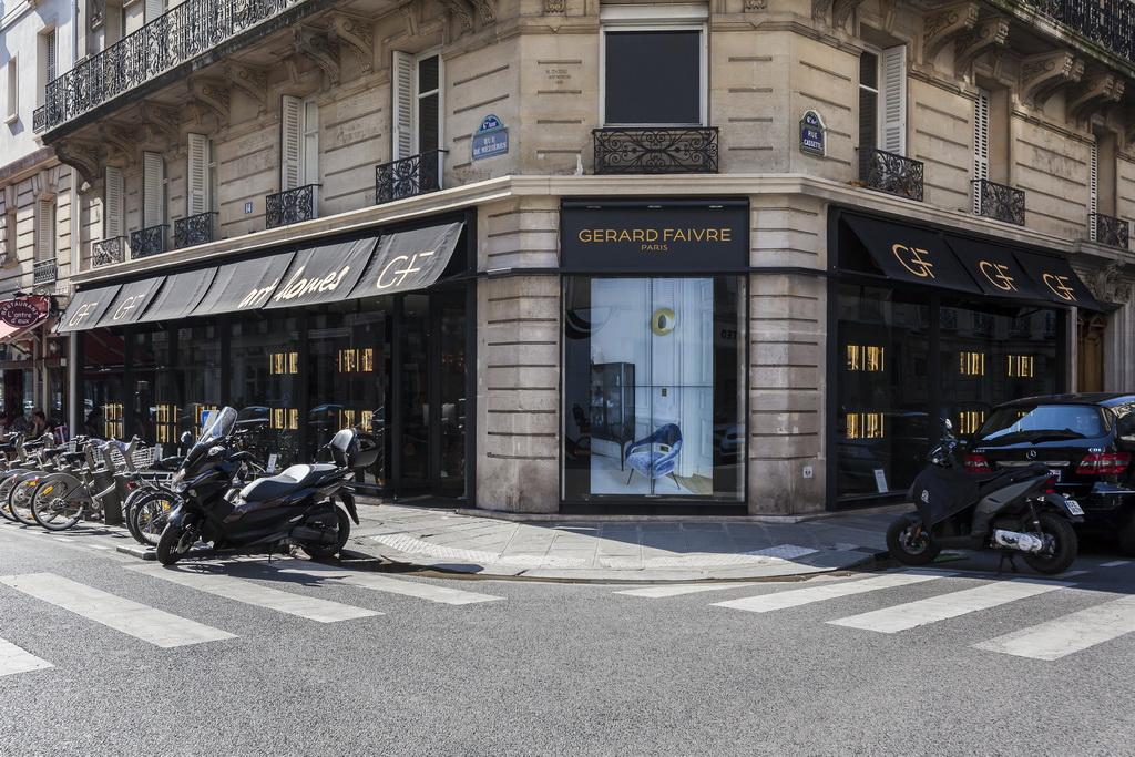 Gérard Faivre Paris art homes,showroom window display,luxury homes france,