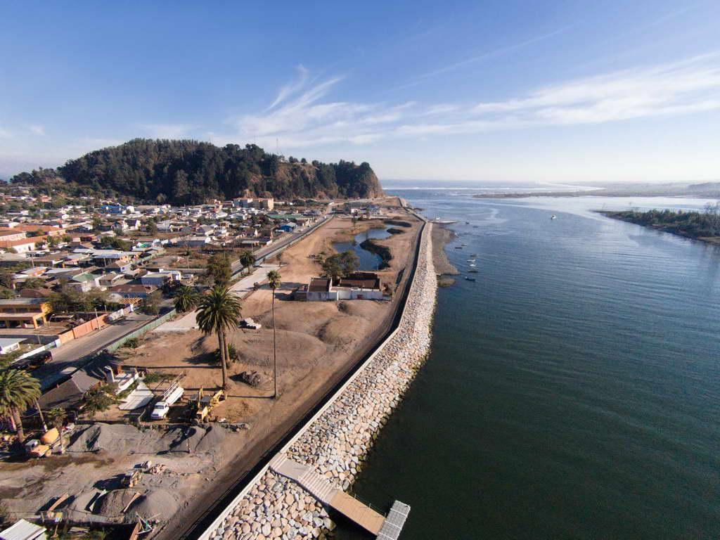 R_Alejandro-Aravena-Post-Tsunami-Sustainable-Reconstruction-Plan-of-Constitución_Chile_photo-Felipe-Diaz_Archi-living_resize.jpg