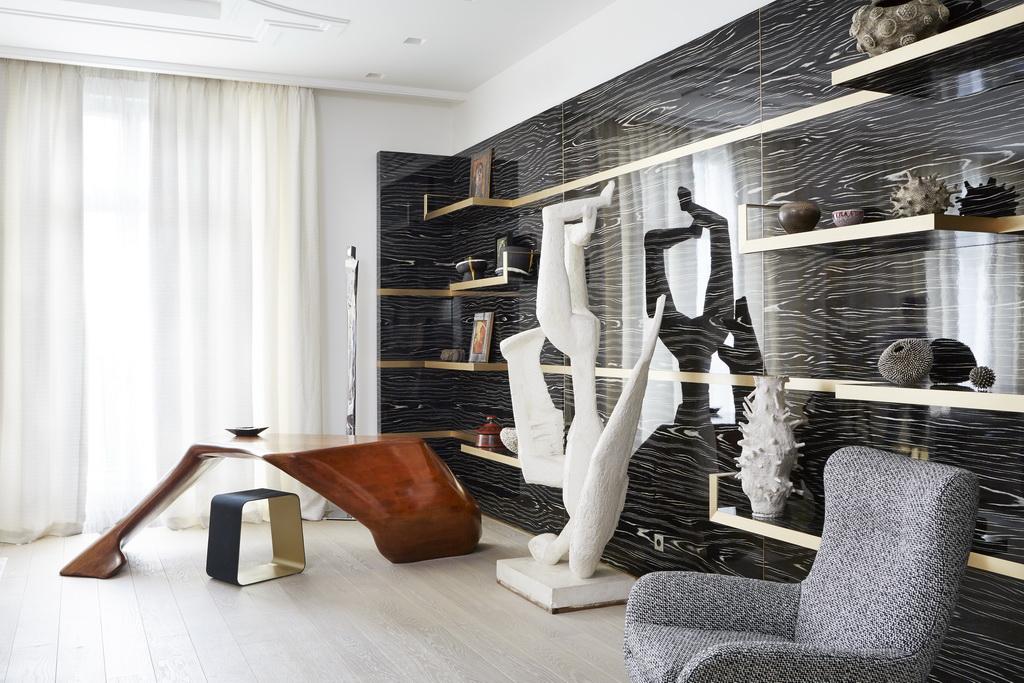 artistic home office apartments paris,luxury study room design,luxurious study room,designer home office desks,sculpture in study room,