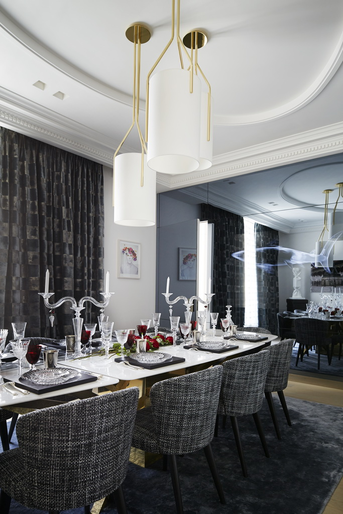 luxury table setting ideas,luxury dining table decor,crystal candlestick designs,high end table decorations,designer dining room ideas,