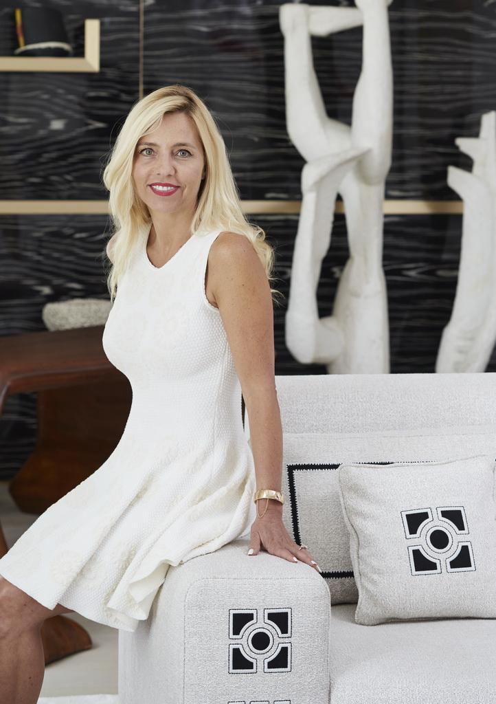 Stephanie Coutas,interior designer,Stephanie Coutas' Paris home,interior design project,luxury apartment design,