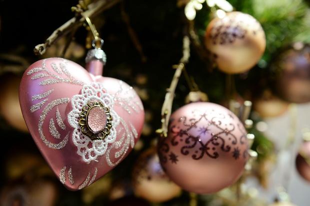 SLIKA-2-Tree-decorations_resize.jpg