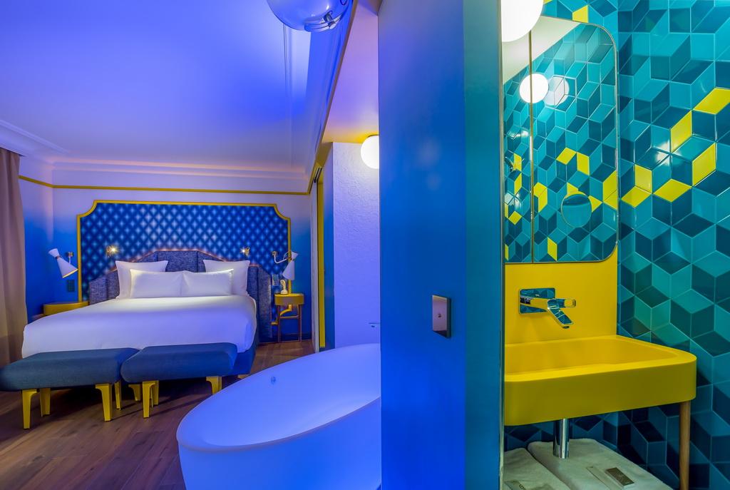 SUITE-BLUE-SUNSHINE-4-IDOL-HOTEL-PARIS-8.jpg