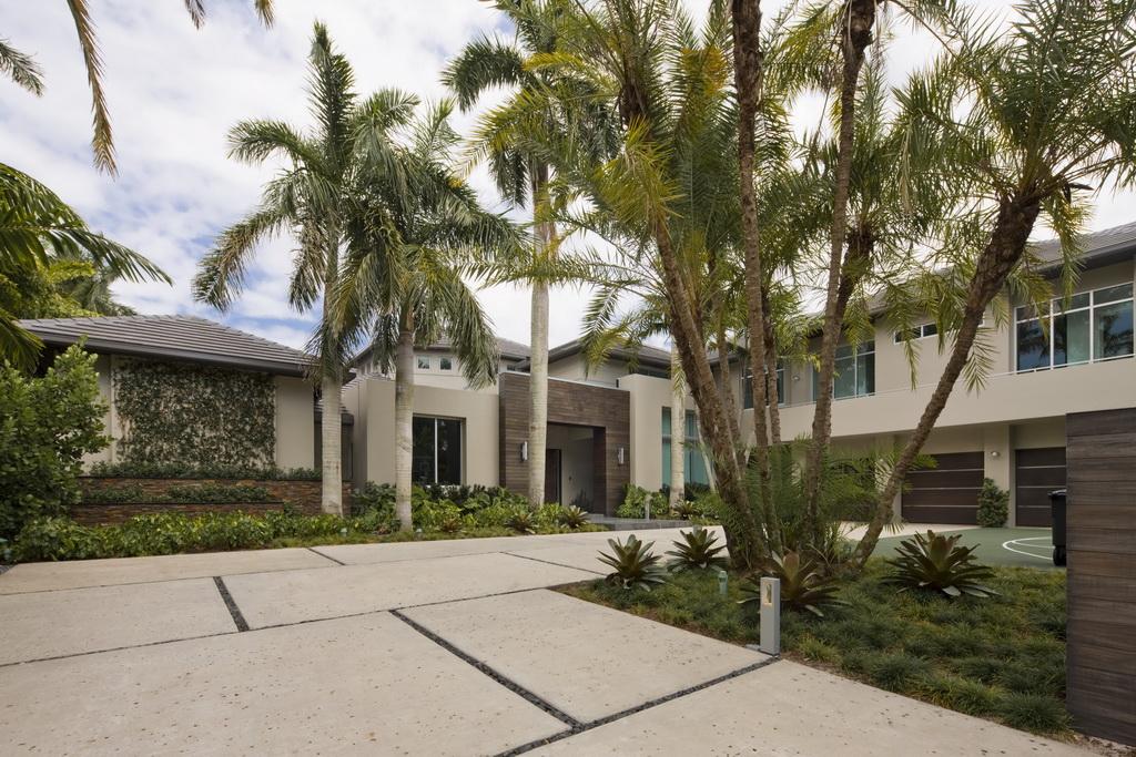 south florida luxury home builders,florida home with palm tree,modern home outdoor design,garden design ideas,outdoor flooring ideas,