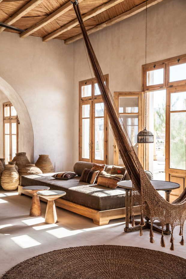 Scorpios_Mykonos_Design_Hotels5_resize.jpg