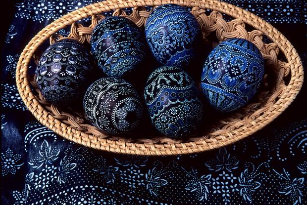Sorbish-Easter-eggs-in-blue-print_Saxony_Owner_Marketing-Gesellschaft-Oberlausitz-Niederschlesien_Photographer_Dittrich-Sylvio_GNTB_resize556f631f26d45.jpg