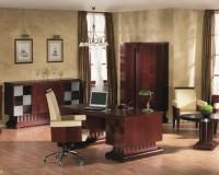luxury home office design ideas,chandelier in home office,classic style office design,traditional wooden office desks,luxury work chair,