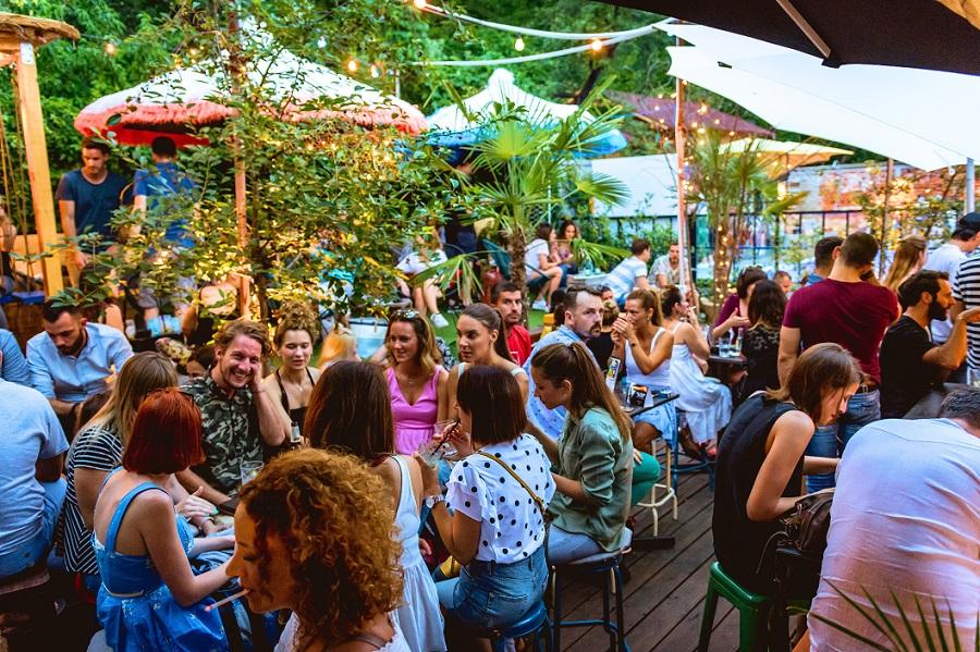 Swanky-Mint-Hostel_bar-design_hospitality_Zagreb_Croatia_Archi-living_A.jpg