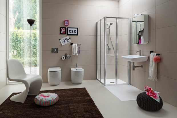 Photogallery: Time: Space Saving Shower Box