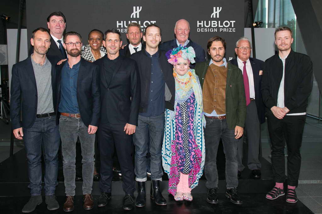 The-Hublot-Design-Prize-jury-and-finalists-with-Mr-Jean-Claude-Biver-Chairman-Hublot2_resize.jpg