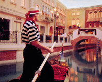 romantic travel for couples,romantic gondola ride for two,