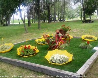 sajam cvijeća floraart zagreb,park bundek zagreb,garden art ideas,umbrellas garden decoration,yellow and red landscape,
