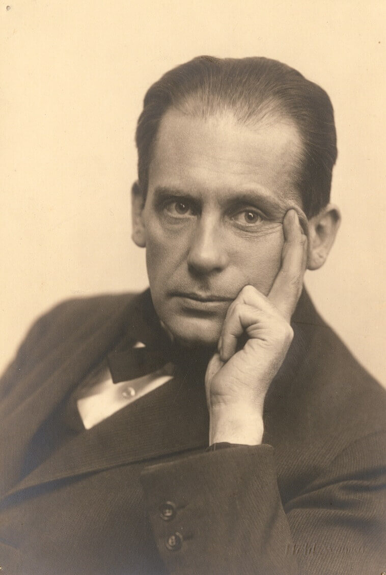 architect Walter Gropius,Bauhaus founder,famous Bauhaus architects,Bauhaus arts and architecture academy,Thuringia Germany