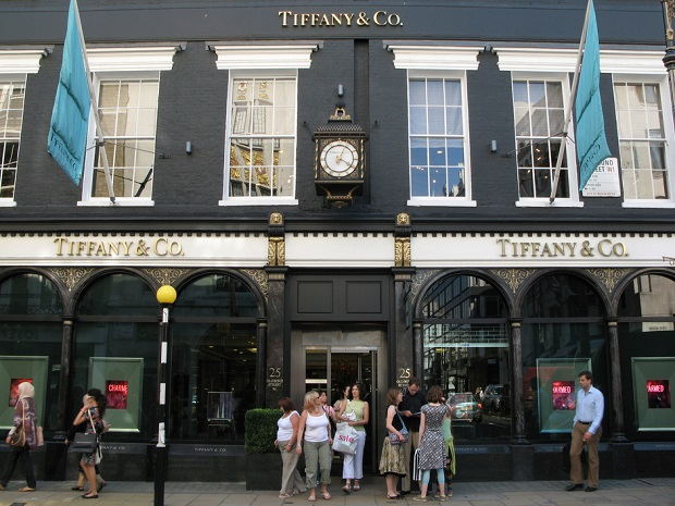 tiffany and co london stores,luxury shopping street in london,jewellery shops london bond street,best shopping travel destinations,luxury retail architecture,