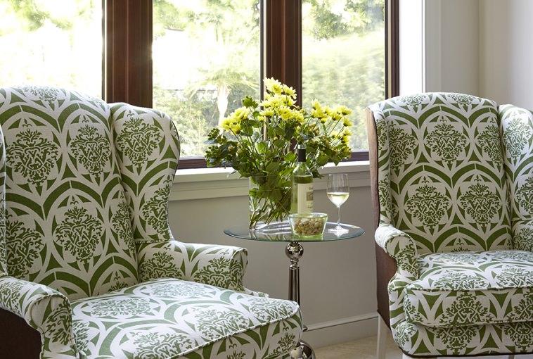 https://www.archi-living.com/wp-content/uploads/antique-wingback-chairs_interior-design-florida_Dunagan-Diverio-Design_Archi-living_D.jpg