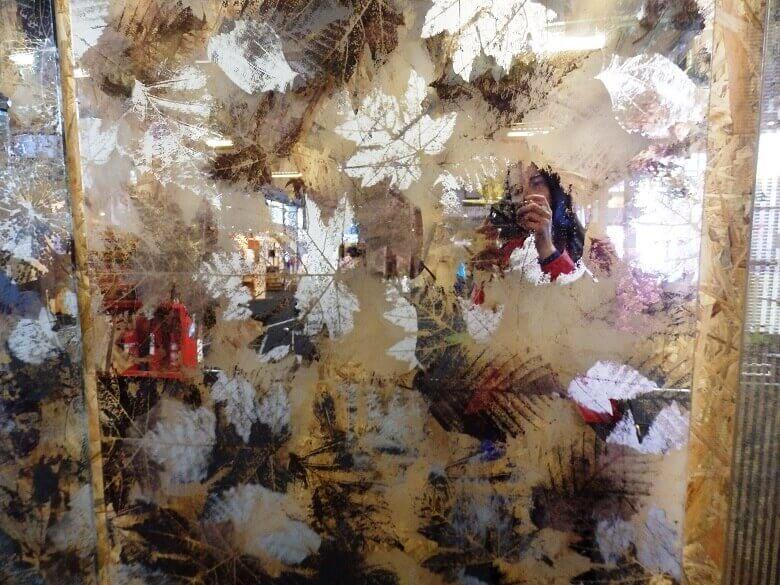 Danica Maricic,Archi-living design editor,autumn decorated mirrors,croatian glass art,designer mirror glass,