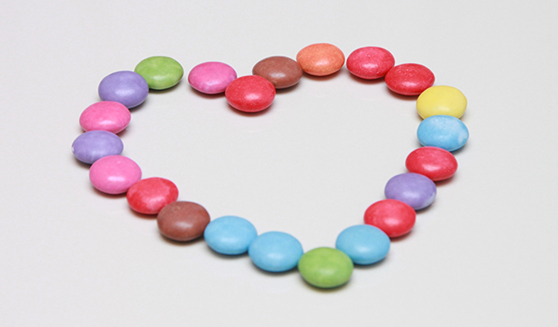 candies_colored_heart_manja_resize.jpg