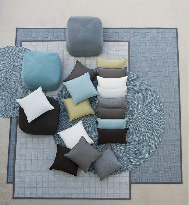carpets_divine_cushions_1_resize.jpg