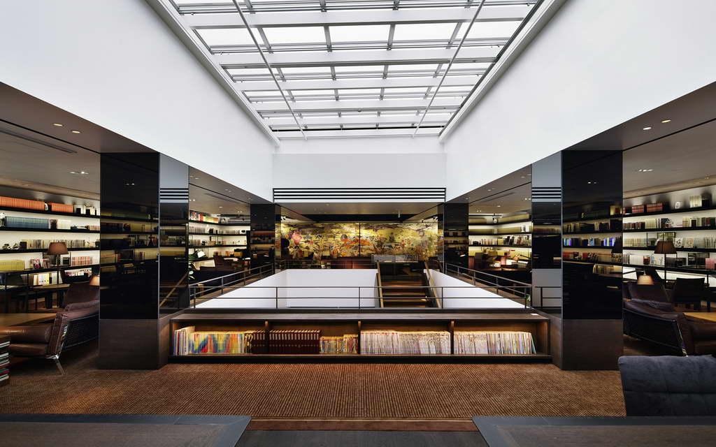 Daikanyama Tsutaya Books,best bookstores in tokyo japan,retail interior design bookstore in tokyo,