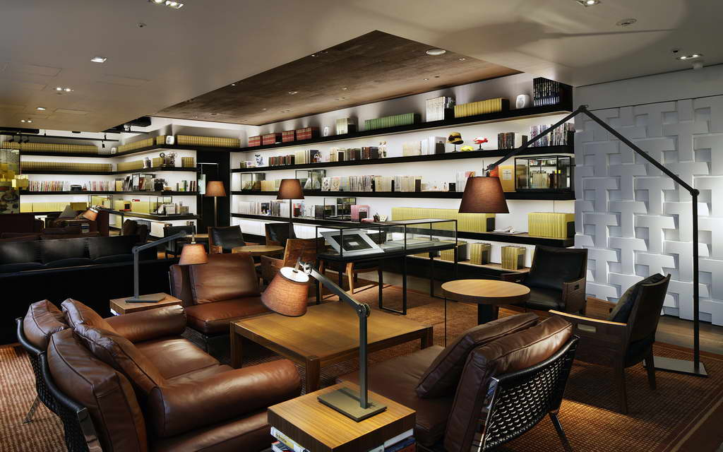 bookstores in tokyo,bookstore design interior,retail interior design projects japan,