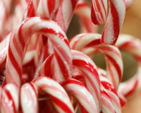 candy cane Christmas decor,Christmas table ideas,how to decorate living room for Christmas,red and white table settings,candy cane holiday ornaments,